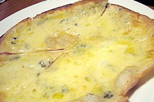 ブルーチーズのピザ、美味いっす♪