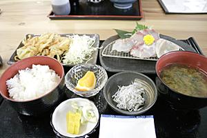 魚々味定食〜♪