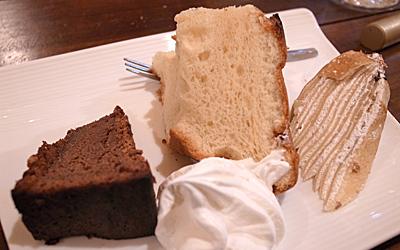 ケーキだって盛りだくさんっ♪