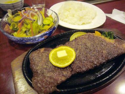 肉のタタキ