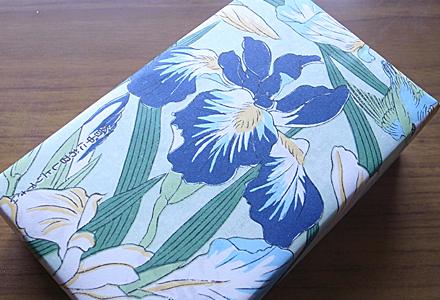 朔日餅5月☆艶やかな包装紙