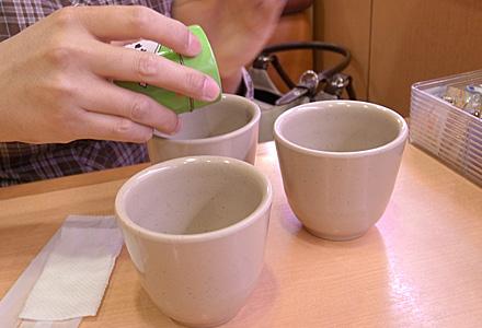 女子会inかっぱ寿司☆お茶入れますえー。